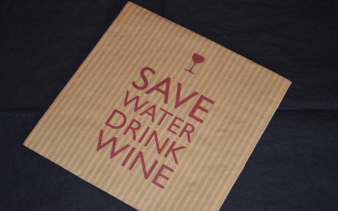 Wijn is essentieel ! Dus El Pozo mag open blijven zonder afspraak. Hasta pronto Stefaan y Koen
